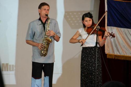 Bro. James & daughter Janna Kirtley *instrumental rendition