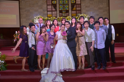 bride's friends and PS Bank & HP colleagues' wacky shot with poise haha