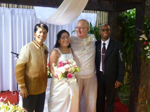 Pastor Rodelio & Pastor Mario with the couple